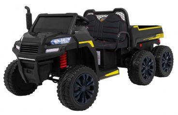 elektricky traktor v čiernej farbe