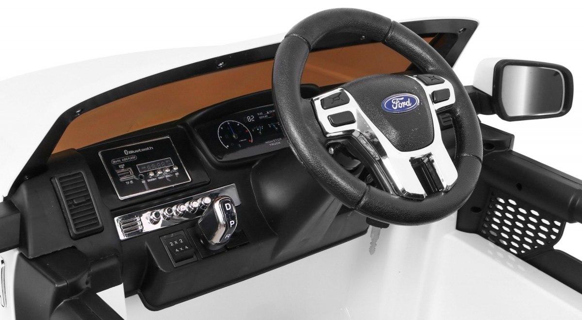 elektricke auticko ford ranger monster interier
